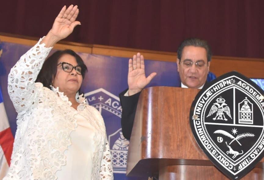 Primera mujer rectora UASD asume cargo con promesas de cambios y transparencia