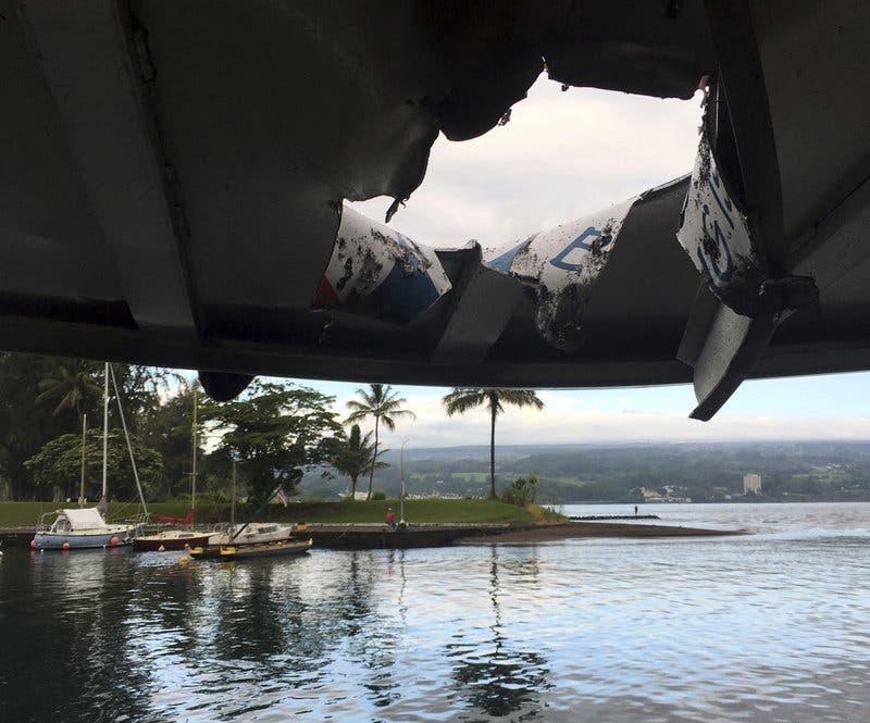 Al menos 23 heridos al caer lava sobre bote turístico en Hawai