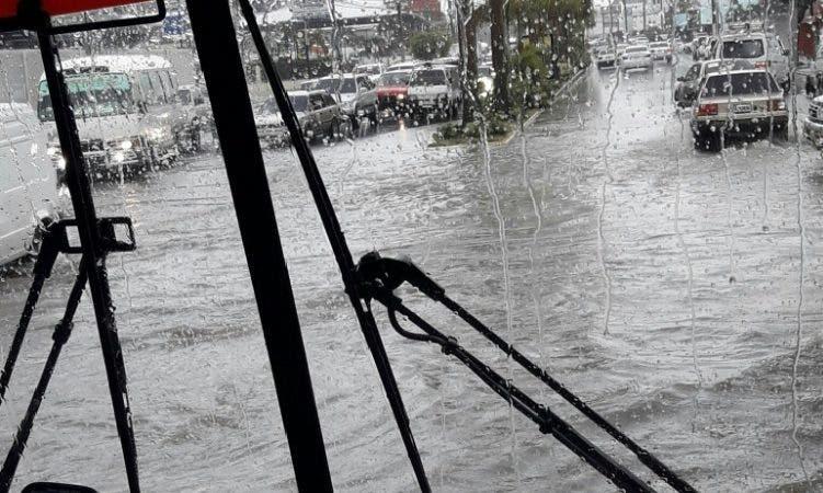 Imagen de las inundaciones en Santiago:@JeanSuriel