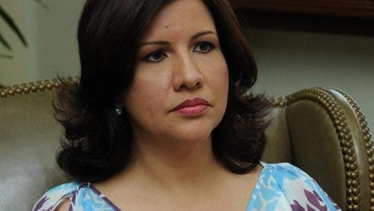 Debate sobre si Margarita Cedeño puede reelegirse como vicepresidente o si está limitada igual que Danilo Medina
