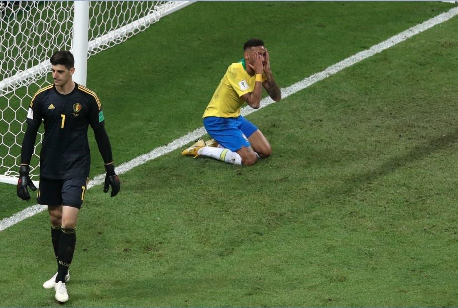 Neymar acompaña a Cristiano Ronaldo y Messi en el adiós prematuro