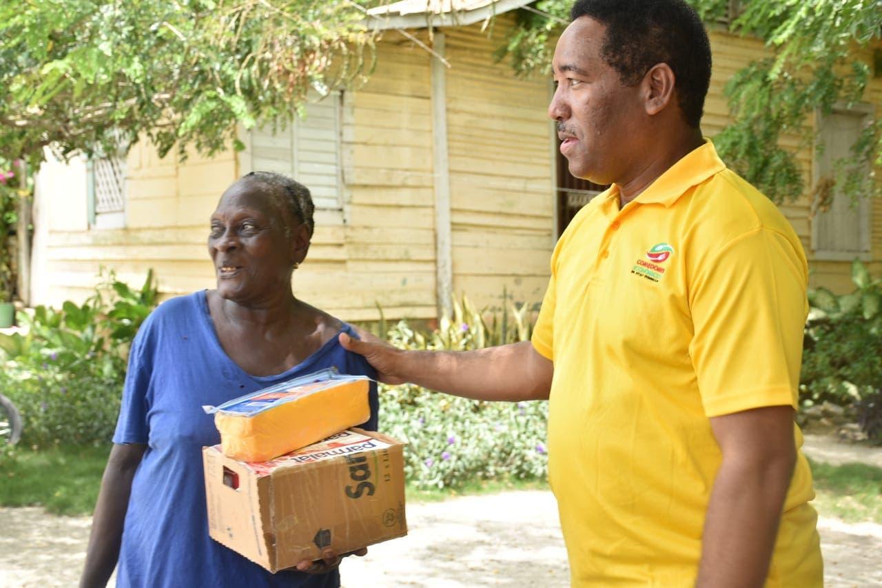 Gobierno realiza operativo de entrega de alimentos en Barahona, Bahoruco e Independencia