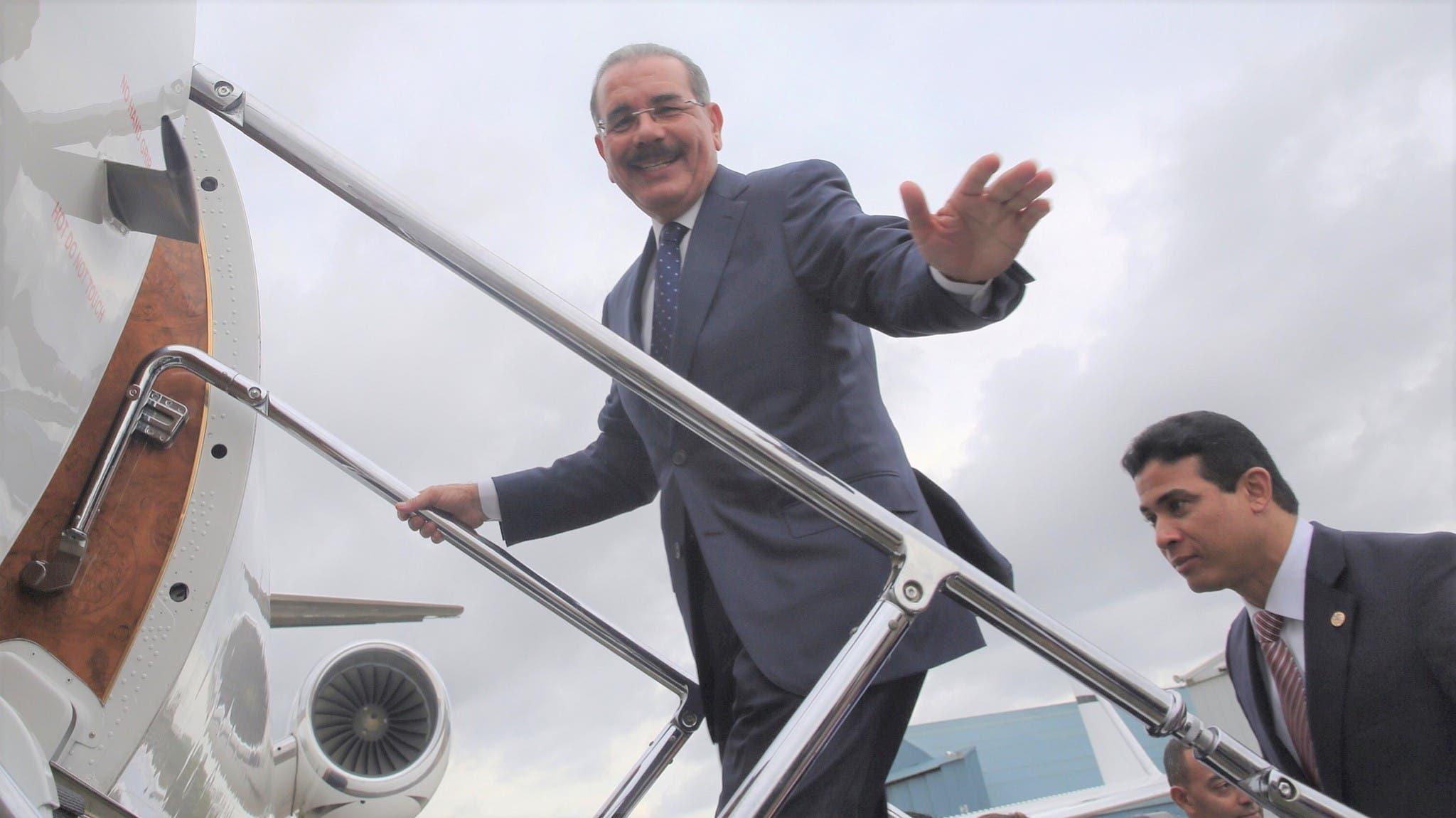 Medina parte mañana a Colombia para asistir a transmisión de mando de Iván Duque