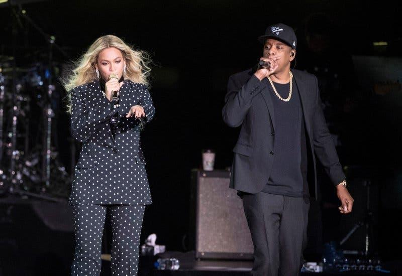 Beyonce y Jay-Z dan explosivo concierto pese al mal tiempo
