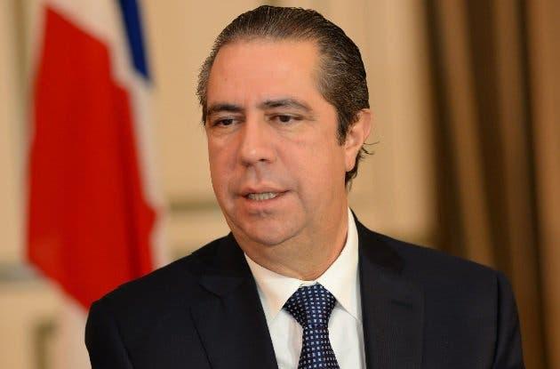 Francisco Javier: «Es discriminatorio que se inhabilite una persona en la Constitución para optar  por nuevo mandato»