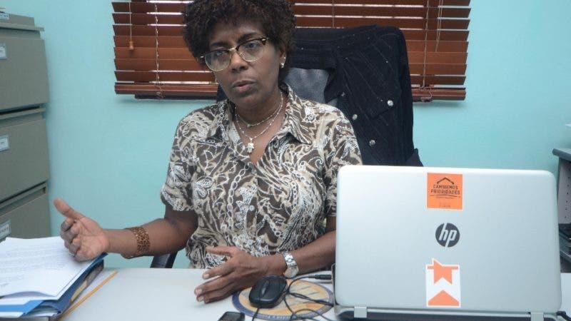 Fátima Lorenzo, directora ejecutiva de la asociación Ciudad Alternativa, durante una entrevista en la asociación Ciudad Alternativa Santo Domingo Rep. Dom. 2 agosto del 2018. Foto Pedro Sosa