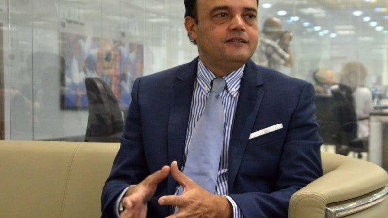 El aspirante a dirigir la presidencia del Comité Olimpico Dominicano en el período 2018-2022 señor José Manuel Ramos realizó una visita a la Jefa de la redacción señora Marien Aristy Capitán, para exponer su proyecto. Hoy/ Napoleón Marte 30/08/2018