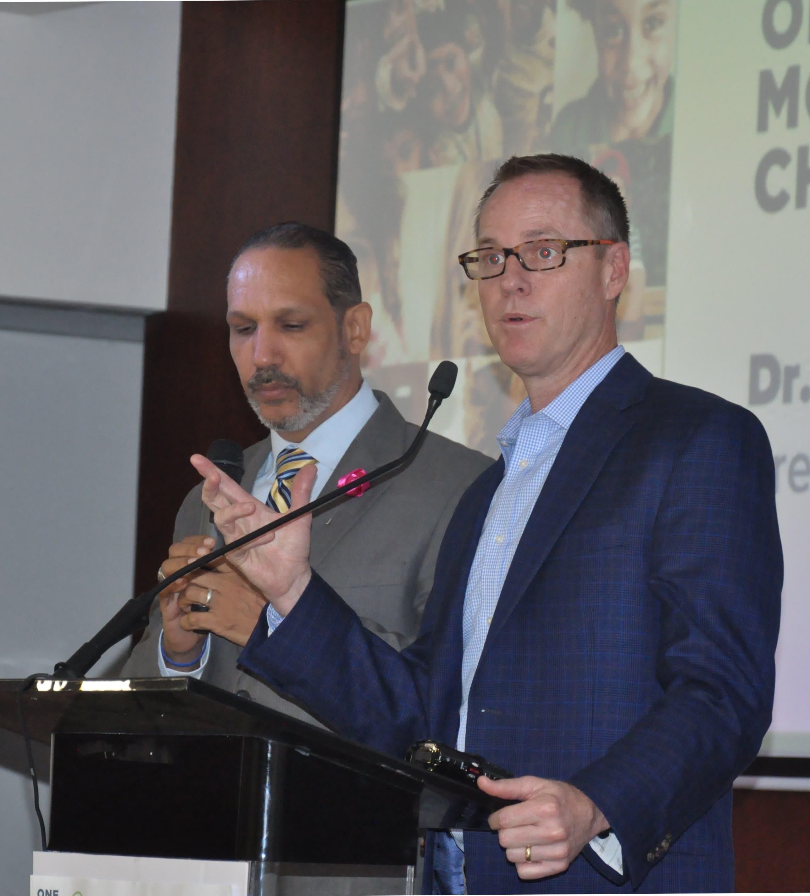 Jerry T. Haad se reúne con Danilo Medina para tratar el tráfico sexual infantil