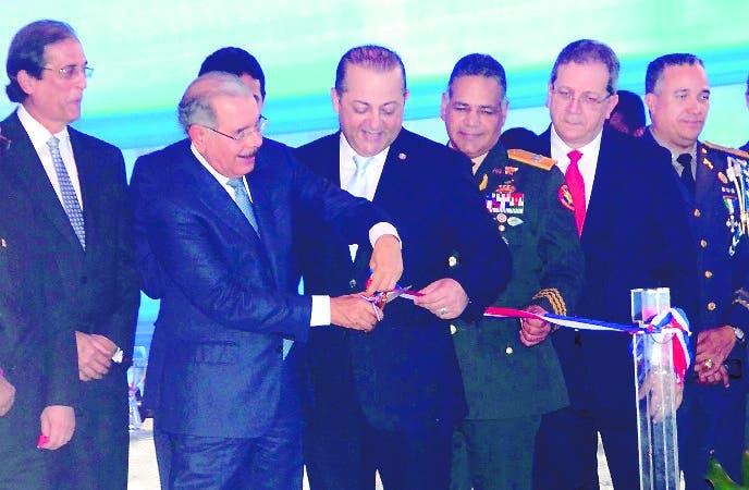 El Pais/.El Presidente danilo Medina Sanchez entrega el Sistema  de Emergencia y Seguridad ,9.-1-1 en san Pedro de Macoris  ,Hoy/Jose Francisco ,21-8-2018
