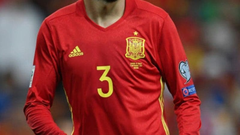 MADRID, SPAIN - SEPTEMBER 02:  Gerard Piqué of Spain looks on during the FIFA 2018 World Cup Qualifier between Spain and Italy at Estadio Santiago Bernabeu on September 2, 2017 in Madrid, Spain.  (Photo by Claudio Villa/Getty Images)