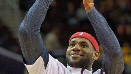 LeBron James con misión llevar Lakers a la cima