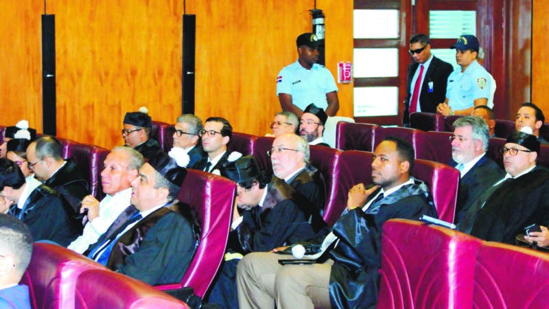 El juez de la Jurisdicción Especial de la Suprema Corte de Justicia (SCJ), Francisco Ortega Polanco, sigue la audiencia preliminar del caso de sobornos Odebrecht. 22-08-18 Foto: José Adames Arias.