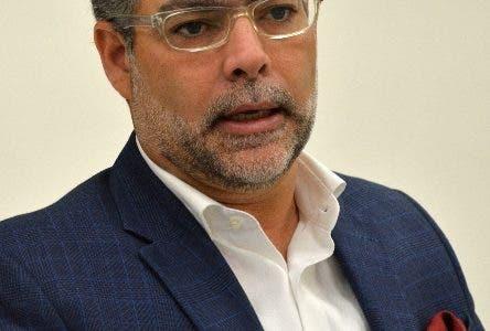 Encuentro Económico Semanal del Periódico Hoy, con el economista Ernesto Selman, vicepresidente ejecutivo del Centro Regional de Estrategias Económicas Sostenibles (CREES). Hoy/ Napoleón Marte 28/03/2018