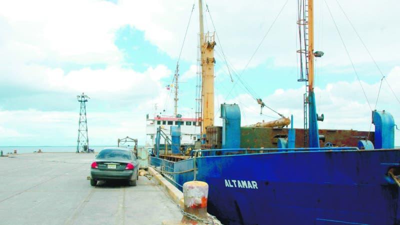 Reportaje en el puerto de Manzanillo.Hoy/Ricardo Flete.1/5/09