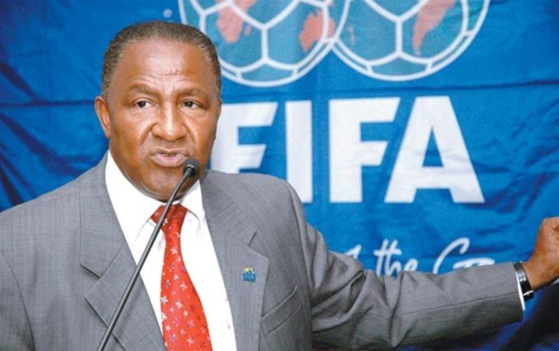 La FIFA extiende a diez años la suspensión de dominicano Osiris Guzmán
