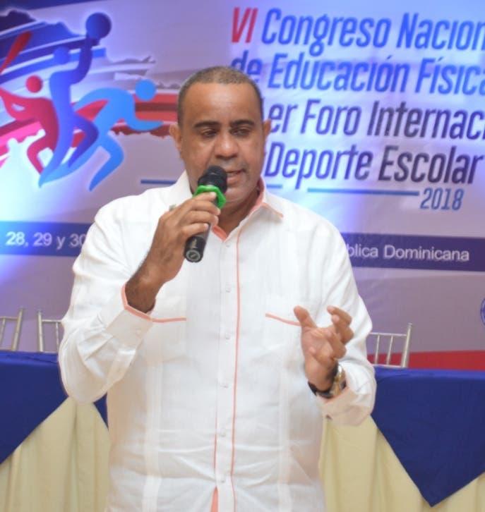 Exponen Desarrollo del Deporte Escolar en 1er Foro Internacional