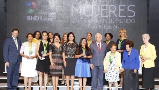 Distinguen a mujeres que hacen el mundo mejor