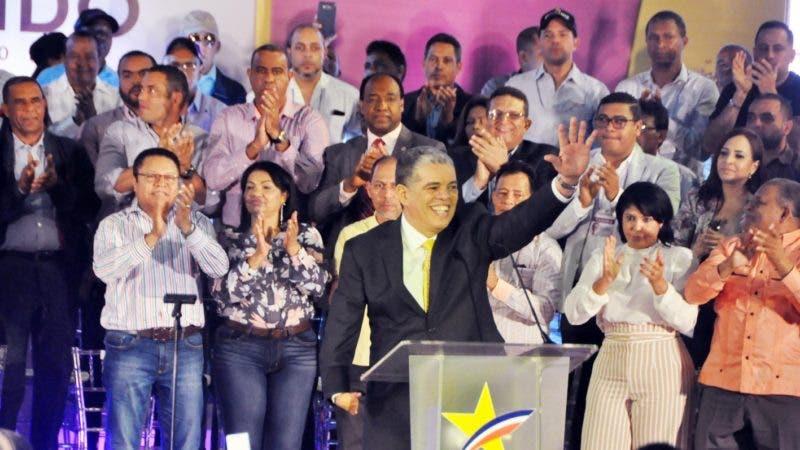 CONCENTRACION POLITICA DEL PARTIDO PLD POR EL CANDIDATO AMARANTE BARET EN LA ARENA DEL CIBAO EN SANTIAGO. HOY SANTIAGO// GERALDO CRUZ