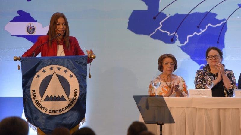 Parlamento Centroamericano Foros Regionales Anuales 2018, con un llamado al fortalecimiento de la democracia de los países y la integración regional como mecanismo de solución a los problemas comunesHoy/Arismendy Lora