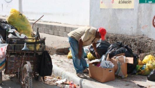 La advertencia de regidor a empresa ante cúmulo de basura en La Romana