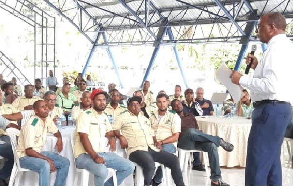 OMSA aumenta de 15 a 20 mil sueldos de choferes; dará incentivo de 5 mil por buena conducta