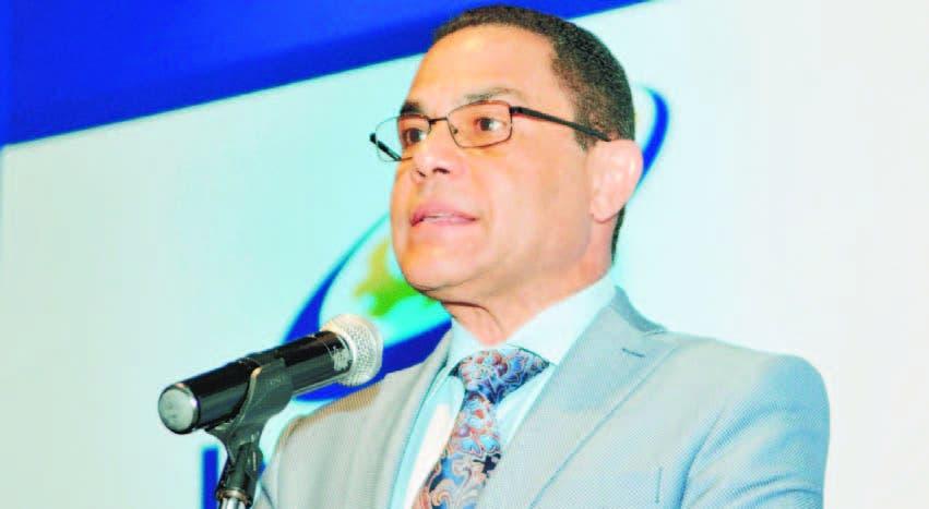 Ovalles critica a quienes cogen instituciones públicas de relajo