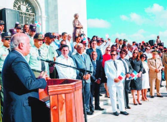 El historiador Juan Daniel Balcácer pronunció discurso sobre la gesta