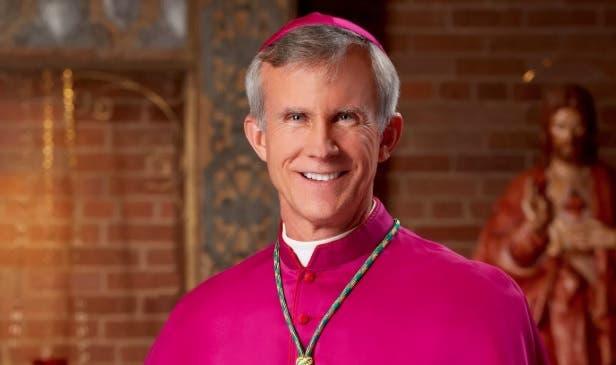 """Obispo de Texas apoya """"acusaciones"""" del exnuncio de EEUU y pide investigación"""