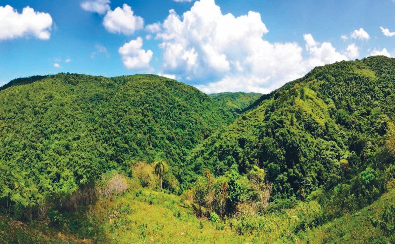 Posiciones encontradas: Revive conflicto por Loma Miranda