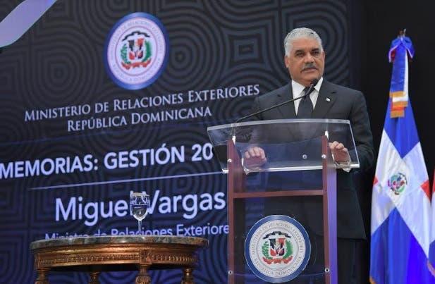 Miguel Vargas resalta avances del país en política exterior