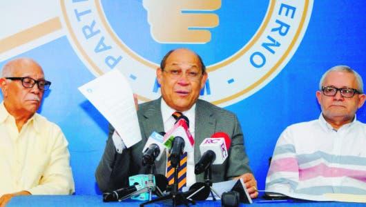 PRM pide Cámara de Cuentas investigar compra  mochilas