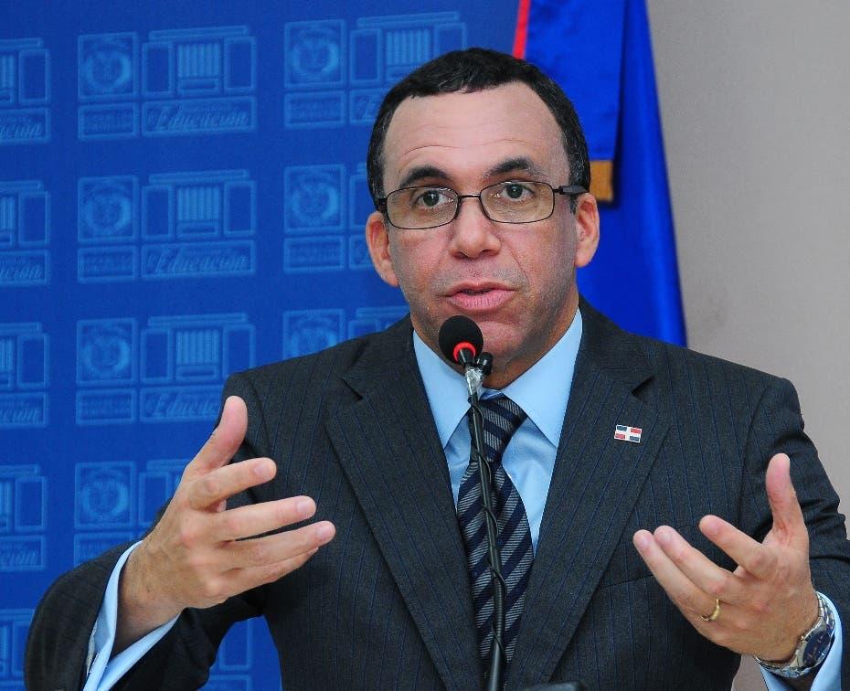 Navarro exige ADP no usar estudiantes para lograr intereses