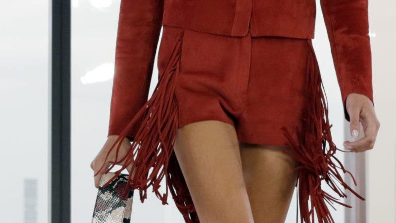Kaia Gerber, daughter of model Cindy Crawford, walks in the Longchamp Paris spring 2019 collection during Fashion Week in New York, Saturday, Sept. 8, 2018. (AP Photo/Richard Drew)
