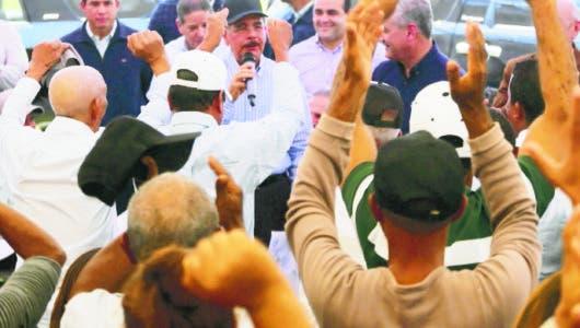 En visita sorpresa Presidente Medina va a Tábara Arriba