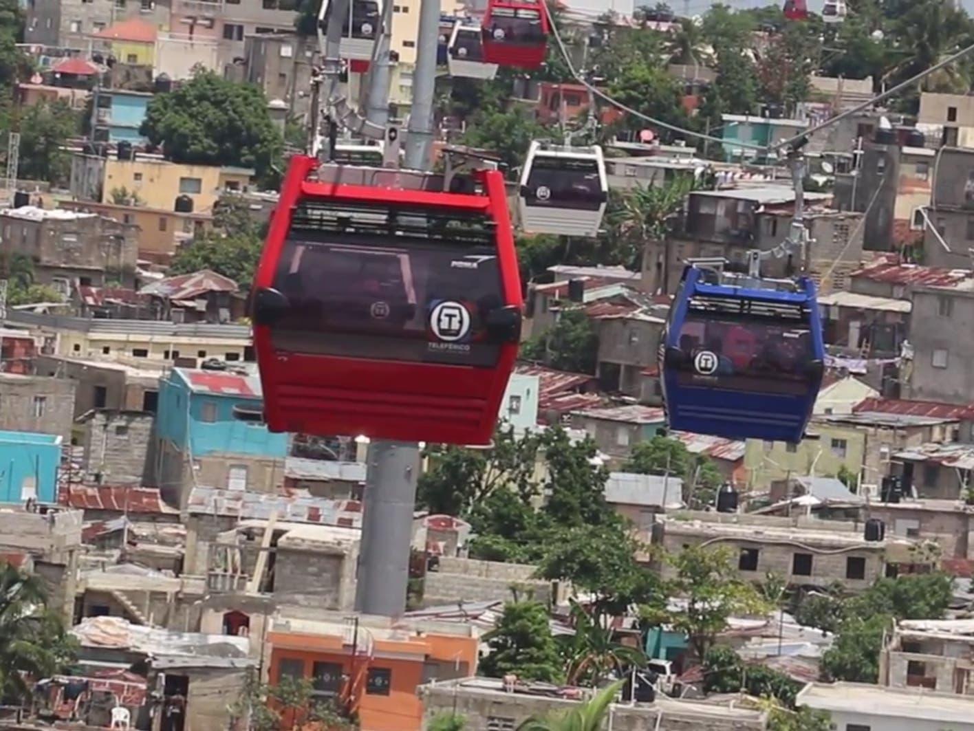 Un fallo en el sistema paraliza servicios del Teleférico de Santo Domingo