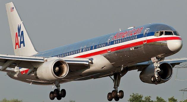 Estudiante se cuela en avión comercial y obliga cierre de aeropuerto en EEUU