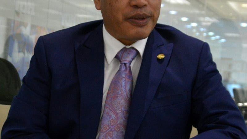 Entrevista al Enbajador de la República de Guatemala, señor Rudy Armando Coxaj López, durante una visita a la redacción del Hoy. Foto/ Napoleón Marte 12/09/2018