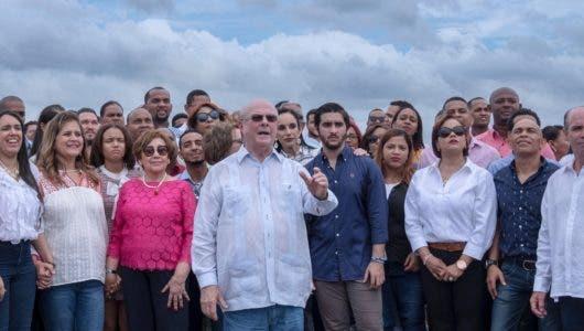 Mejía anuncia aspiraciones como candidato  transición
