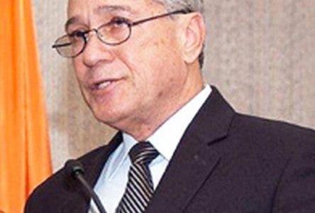 Arquitecto Nelson Toca Simó, designado este viernes por el Presidente Danilo Medina como Ministro de Industria, Comercio y Mipymes mediante decreto 210-17, es un reconocido profesional que ha desempeñado funciones relevantes en la administración pública. Hoy/Fuente Externa 9/6/17