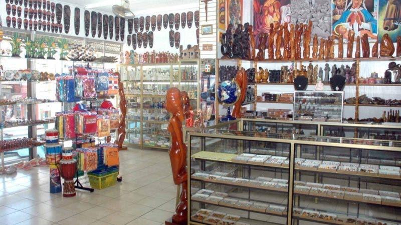 Economia, Reportaje, Tíenda de Artesanía  del  Mercado Modelo, de la Mella, Hoy / Francísco Reyes / 28 / 09 / 09,