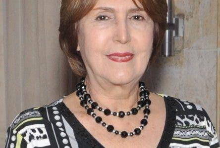 Rostros. Colección clásica. Karla Hatton, Carmen Heredia y Rosinda Mirabal
