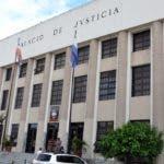 El País / Reportaje, Fachada del Palacio de Justicia de Ciudad Nueva se encuentra totalmente vacío, porque no hay Audiencia por el día feriado, Hoy / Francisco Reyes / 09 / 01 / 2012 /