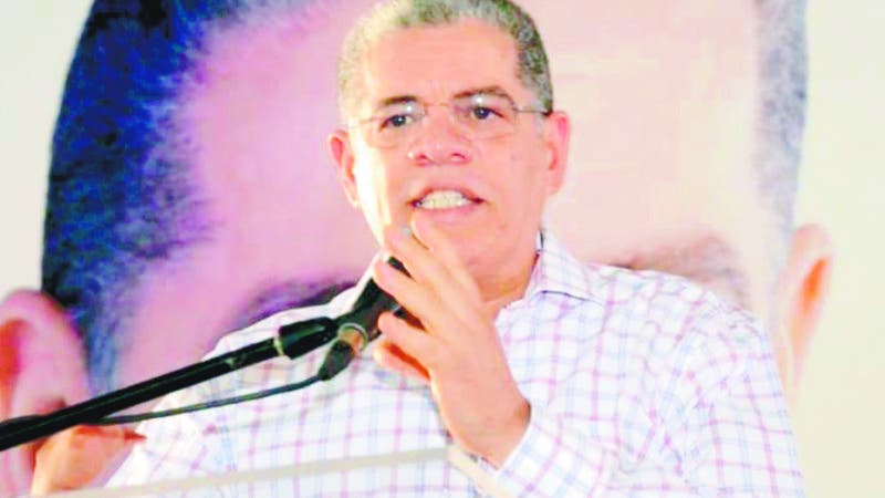 Carlos Amarante, aspirante a la nominación presidencial del Partido de la Liberación Dominicana, se comprometió aquí a que como presidente de la República mantendrá la transparencia en los sorteos y licitaciones de obras que construya el gobierno. Hoy/Fuente Externa 9/9/18