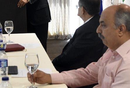 El ministro de Economía, Planificación y Desarrollo, Isidoro Santana.