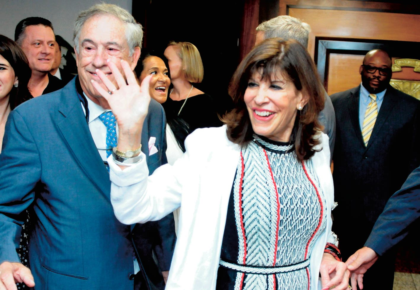 Embajadora de Estados Unidos regresa al país tras ser llamada a consulta