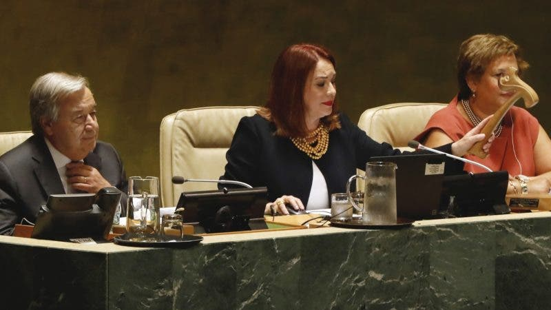 U.N. General Assembly President María Fernanda Espinosa, from Ecuador, gavels open the 73rd session of the United Nations General Assembly, at U.N. headquarters, Tuesday, Sept. 18, 2018. At left is U.N Secretary General Antonio Guterres. (AP Photo/Richard Drew)