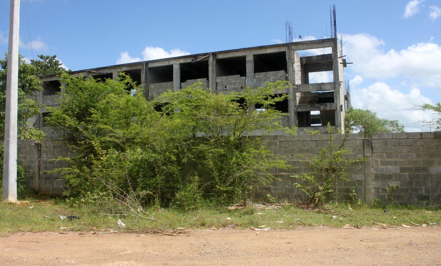 En La Esperanza reclaman liceo fue iniciado hace 5 años