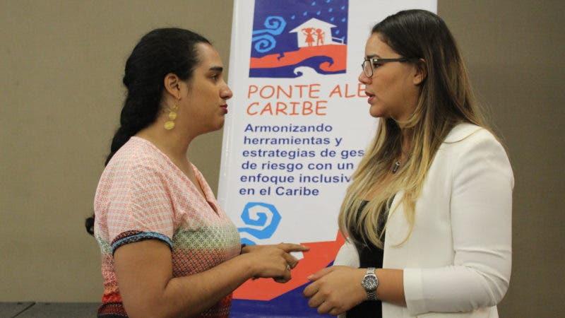 Camila Rodríguez%2c coordinadora proyecto Ponte Alerta Carib y Ana Pou%2c representante MINERD