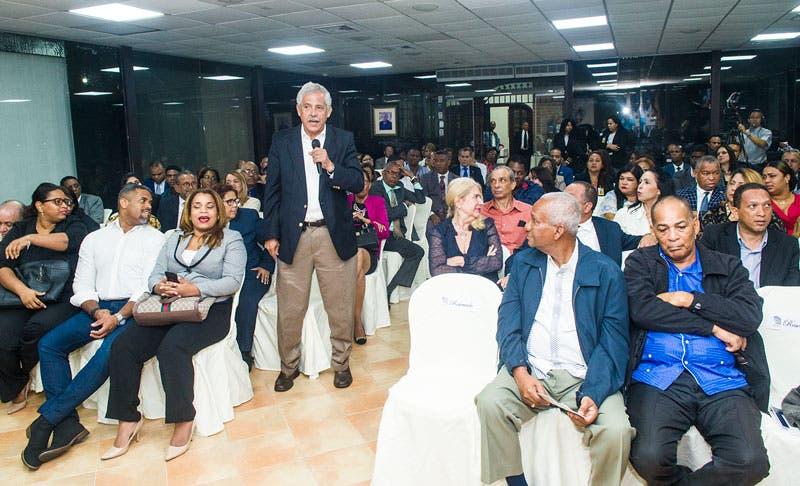 Dedican panel al pensamiento social y político de Peña Gómez