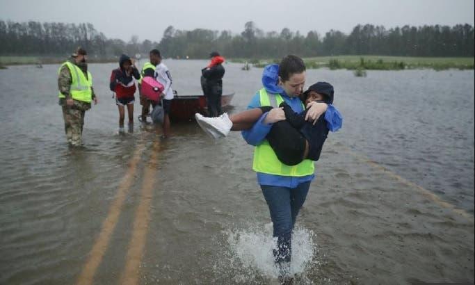 """Florence deja cinco muertos y """"causa estragos"""" en Carolina del Norte"""